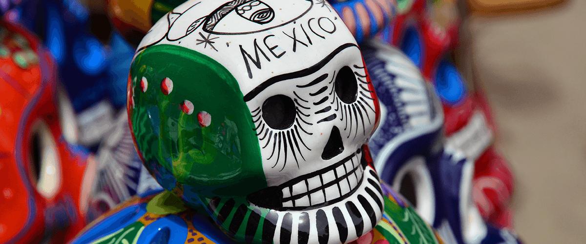 Titelbild Schädel in mexikanischen Farben